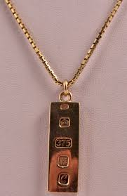 9ct gold ingot pendant on a 22 inch chain 23 5 grams ian