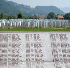 Gedenken an die Opfer von Srebrenica - Bilder & Fotos - WELT