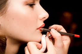 makeup mistake using the wrong lip liner
