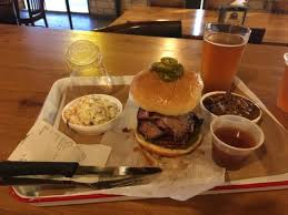 Foto de Stiles Switch BBQ and Brew, Austin: Buford T's Diablo sandwich you  'Som B....' Who cares if you catch the Bandit when you have this -  Tripadvisor