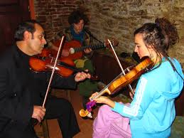 famous romani people. romanian gypsy teaching a dutch how to play the violin famous romani people