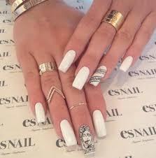 Kylie Jenners White Versace Nails Esnail La Nails Kylie Jenner