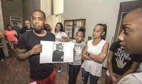 Demanding answers in death of Troy Hodge | Local News | lockportjournal.com