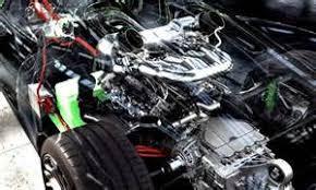 porsche 918 spyder first drive photo gallery motor trend porsche porsche 918 spyder engine porsche 918 spyder interior