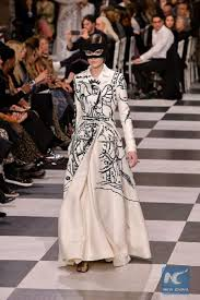 Grazia Design Dior Designer Maria Grazia Chiuri Channels Surrealism In