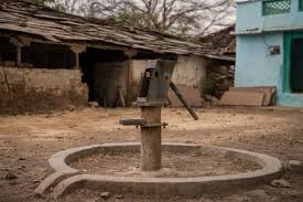 photo essay plight of a drought hit village in madhya pradesh a defunct and barely operational hand pumps in achanwara village photo tiatemjen jamir