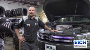 Vw Touareg Light Bulb Replacement How To Volkswagen Headlight Bulb Replacement Eich Motor Company St Cloud Mn