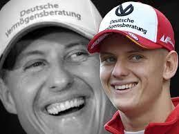 Michael is related to danna kay schumacher and johnny lee schumacher as well as 1 additional person. Mick Schumacher Luftet Geheimnis Um Eine Angewohnheit Wirklich Sehr Sehr Hilfreich Formel 1