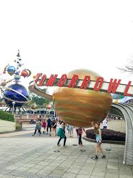 hong kong disneyland insider s guide hong kong kids tomorrowland at hong kong disneyland has some of the best rides like hyperspace mountain and iron