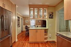 Under kitchen cabinet lighting Valance Contemporary Open Plan Kitchen With Light Wood Cabinets Diy Network Undercabinet Lighting Choices Diy