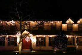 Exterior christmas lighting ideas Green The Best 40 Outdoor Christmas Lighting Ideas That Will Leave You Breathless Womenationco The Best 40 Outdoor Christmas Lighting Ideas That Will Leave You