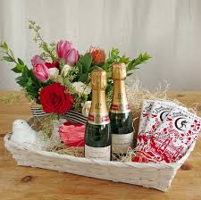 chagne pour deux valentine s day gift basket ideal for sharing contains a deluxe