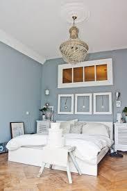 Schlafzimmerwand mit holztextur bringt einen natürlichen hauch in. Schlafzimmer Im Ganzen Weisse Mobel Wandfarbe Schlafzimmer Schlafzimmer Gestalten