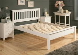 Shaker Bedroom Furniture Sets Shaker Bedroom Furniture In Pine Construction Boots Loloi Rugs
