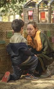 صور- منة شلبى تحقق حلم الأمومة بشكل مختلف فى ليه لأ 2
