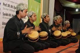Alat musik marawis marawis adalah salah satu jenis band tepuk dengan perkusi sebagai alat musik utamanya. Marawis Islamic Marawis