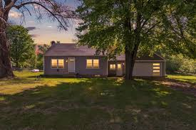The inventory was last updated 06/27/2021. For Sale 6621 Mt Hope Road Carson City Mi 48811 2 Beds 1 Full Bath 130 000 Mls 21018421