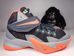 lebron james basketball shoes. lebron james youth size 6 shoes basketball