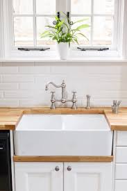 East Norwich Country Kitchen A Double Belfast Sink Is The Ideal Choice For This Classic Country