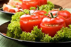 Resultado de imagem para Tomate recheado com sardinha ou atum