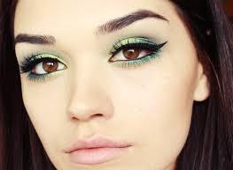 bright green smokey eye makeup