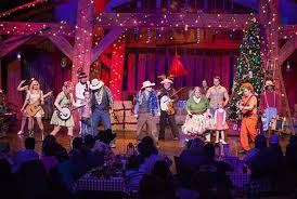 hatfield mccoy christmas disaster dinner show in pigeon forge tennessee