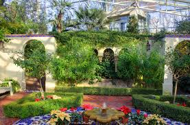 file gfp st louis botanical gardens courtyard in temperate house jpg