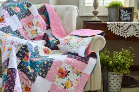 Flower Market {Free Quilt Pattern} & It's the perfect size for a throw or for the end of a bed. You can download  the PDF by clicking here. I hope you love it!! Adamdwight.com