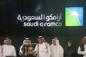 أرامكو السعودية مسؤولة عن 4.5٪ من الانبعاثات الصناعية العالمية أي غازات الاحتباس الحراري من عام 1988 إلى عام 2015 ، وبالتالي فهي من أكبر المساهمين في تغير المناخ، التي تنطوي على مخاطر كبيرة على. Saudi Aramco To Issue Bonds As It Seeks Cash Amid Oil Slump