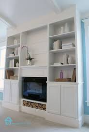remodelando la casa has the step by step tutorial to build your own the fact that they incorporated the fireplace into the diy bookcase