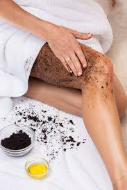 When coffee is combined with other ingredients—brown sugar, himalayan salt, and essential oils—it creates an amazing skin exfoliator and moisturizer, which removes dry and dead skin to reveal the brighter skin underneath. Diy Cellulite Scrub Poosh