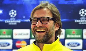 El técnico del Dortmund, Jurgen Klopp, tira de ironía para definir su futuro