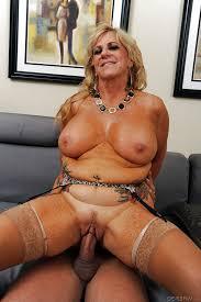 Porno big tits mature