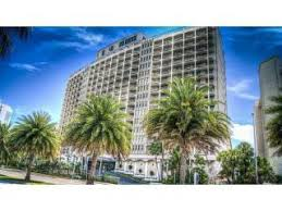 Who lives at 5401 Collins Ave, Miami FL | Rehold