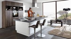 Kleine Kchen Mit Theke Style Küche Mit Insel Und Tisch Küchen