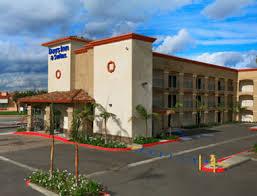 days inn suites anaheim resort