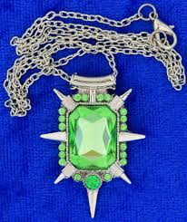 zelena necklace small
