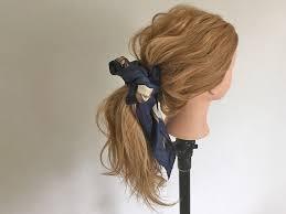 ポニーテールのちょい足しヘアアレンジスカーフポニテの作り方
