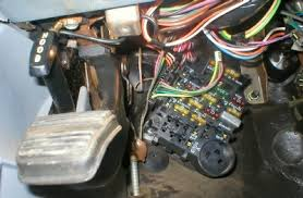 fuse panel location el camino central forum chevrolet el here is a picture of the fuse block in my 87