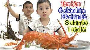 Bé ăn con tôm hùm, lobster - YouTube