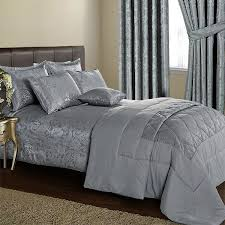 3 piece paisley bedspread with matching