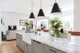 Modern Coastal Farmhouse Kitchen Design: Modern Farmhouse Kitchen ...