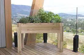 4 best raised garden bed options for