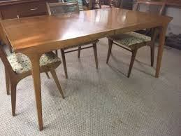 drexel profile dining room table with four chairs