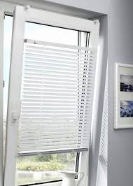 Sichtschutz Schrage Fenster Jalousien Fur Schrage Fenster Holz Nach