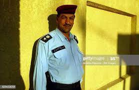 Colonel Saleem Aja Dean of the Iraqi Police Academy in Az Zubayr. Photo  d'actualité - Getty Images