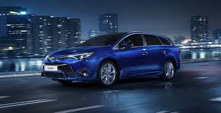 2015 Toyota Avensis Facelift Receives BMW Diesel Engines and Fresh ...