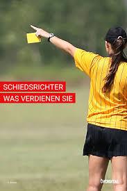 Für die sinkende qualität deutscher. Das Gehalt Der Fussball Schiedsrichter Schiedsrichter Fussball Bundesliga