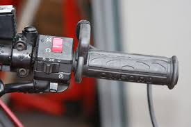 fitting oxford heated grips  product reviews  2commute once the grip is in place make sure that the wire is at the top and that it won t get in the way whilst you re riding obviously the throttle side has to