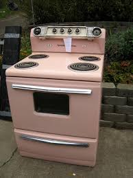 Love This Retro Pink Stove In Our Apartment Had A Pink